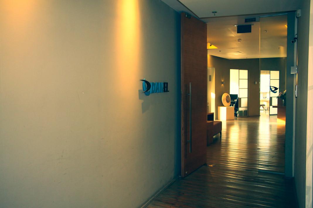 DanelOffice02_min
